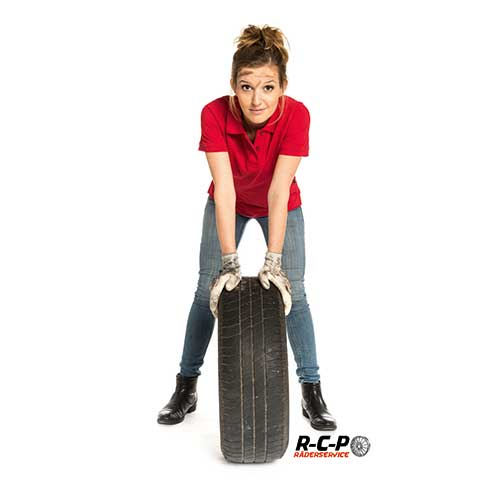 Frau mit Reifen